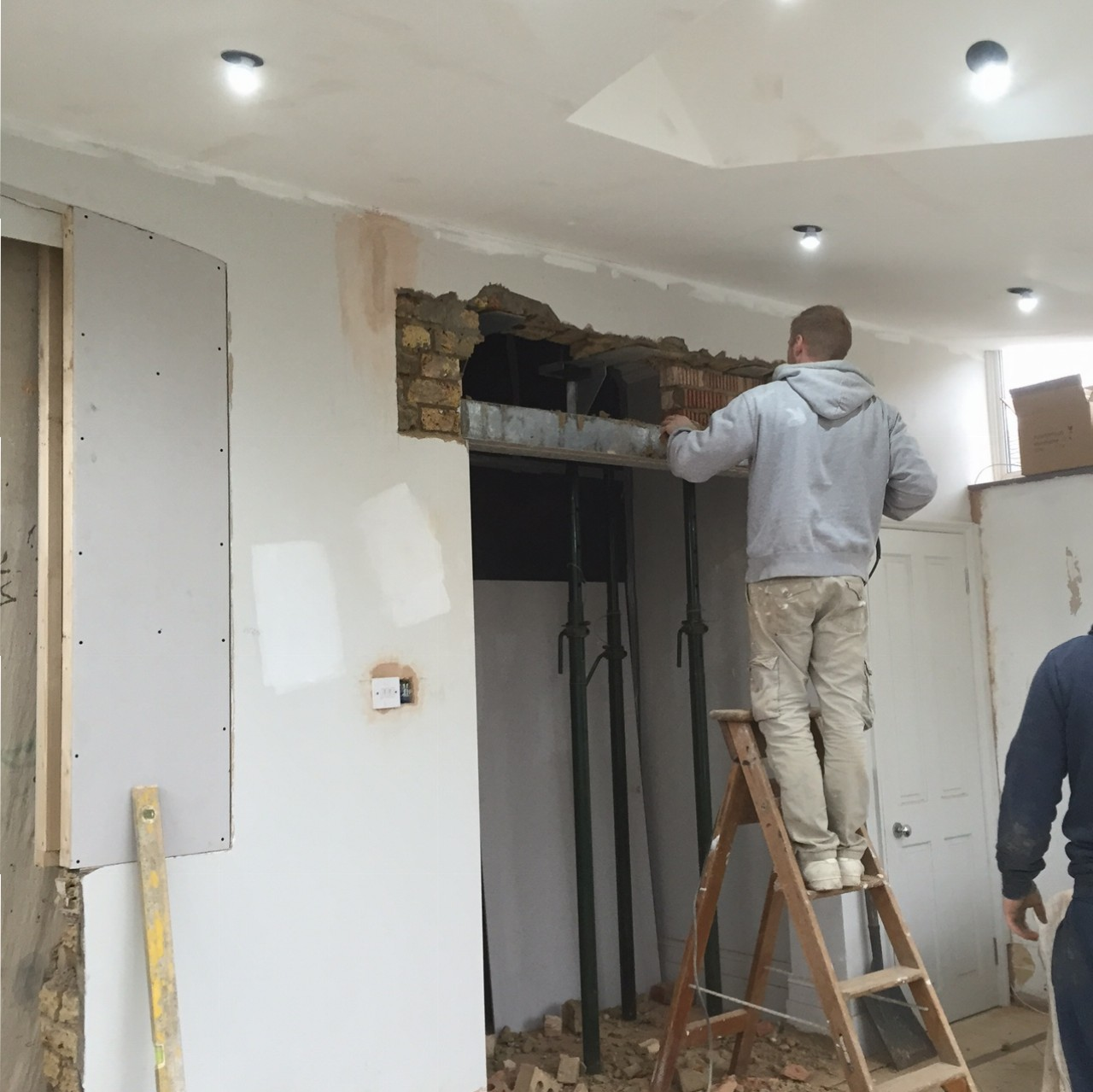 Kitchen refurb: lintel fitting
